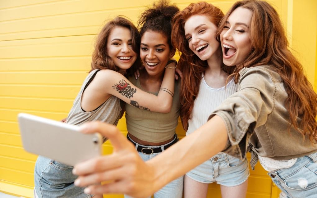 ridere-socializzare-buonumore