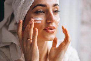 Retinolo: cos'è e perché inserirlo nella skincare